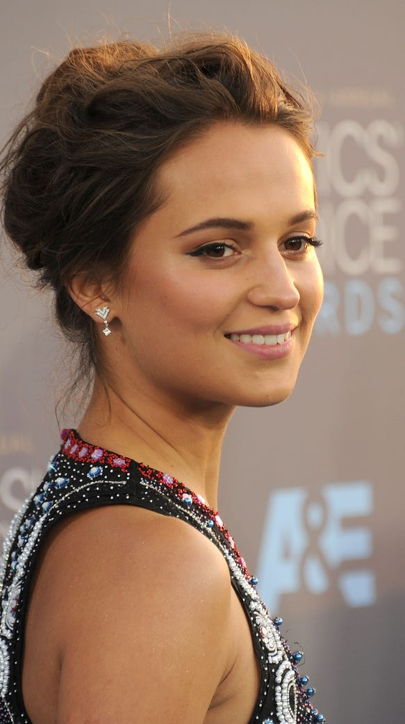 Alicia Vikander arrives at the 21st Annual Critics'