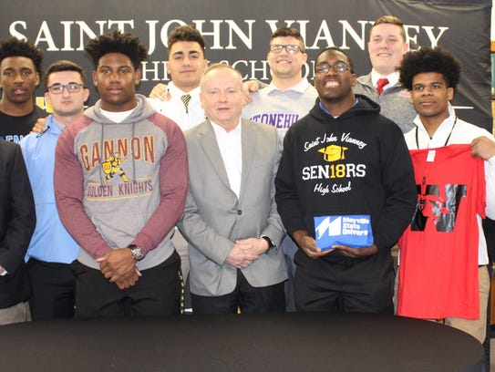 SJV announced its 2018 signing day class of football