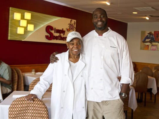 Simply Southern in Belmar is a new restaurant owned by former New York Giants player Rasheed Simmons and his mother Rita.