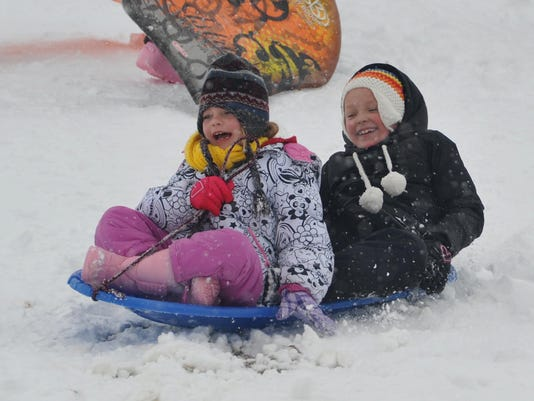 636162972691957127-snow-sledding-09.jpg