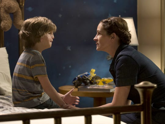 Jacob Tremblay and Julia Roberts appear in a scene