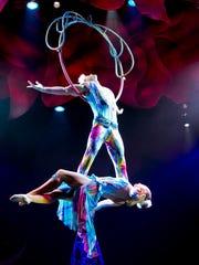 """""""Cirque Dreams: Holidaze"""""""