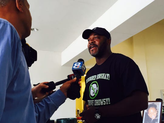 Coach Ron Dugans hosts Don't Drive Drowsy free coffee