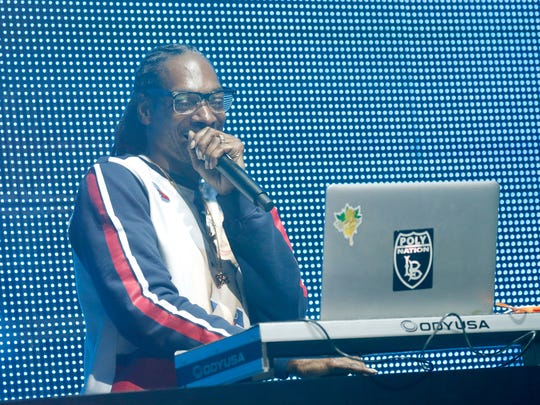 NEW YORK, NY - SEPTEMBER 28:  Snoop Dogg performs onstage