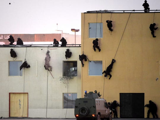Saudi Special Forces demonstrate their skills during