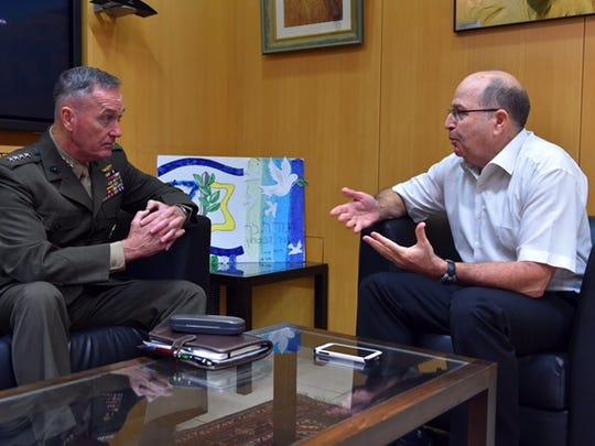 Israel Defense Minister Moshe Ya'alon met with USMC