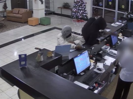 Armed robbery at hotel in Tampa, reward offered