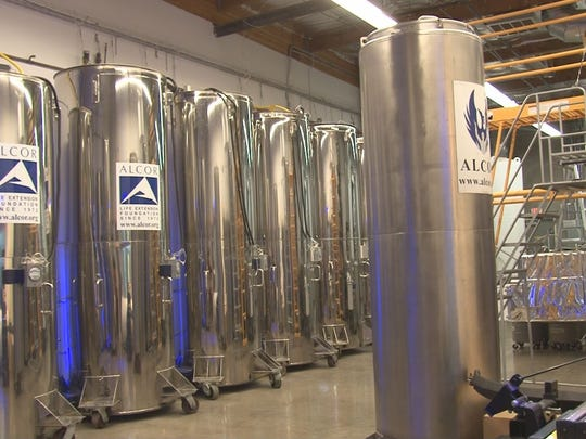 Liquid nitrogen keeps preservation cylinders, called