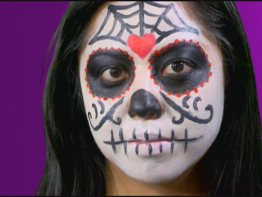 Sugar skull makeup is perfect for Dia de Los Muertos