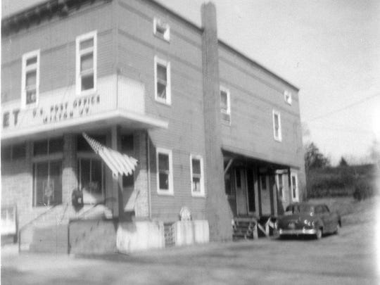 Located in the same building as the Branch Brothers' Supermarket on River Street (current U.S. 7), the Milton post office was in this location from about 1915 until it moved onto Main Street in the early 1960s.