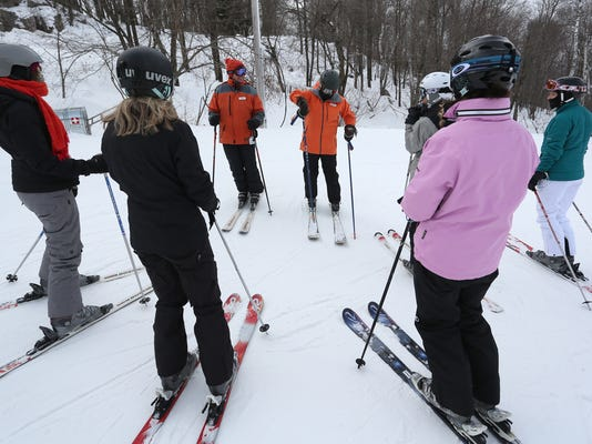 WDH 0228 Ski Group 01