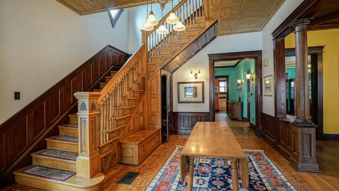 The fixtures in the home at 1642 N. Alabama Street are not original but are in the Victorian style.