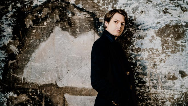 French pianist David Fray was the soloist Tuesday afternoon with the Wrocaw Philharmonic in Chopin's Second Piano Concerto.