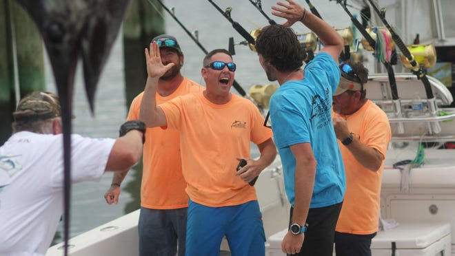 The Sneads Ferry boat Pelagic Hunter II, a 35-foot Contender, took over first place in the Big Rock Blue Marlin Tournament on Friday with a 495.2-pound marlin.