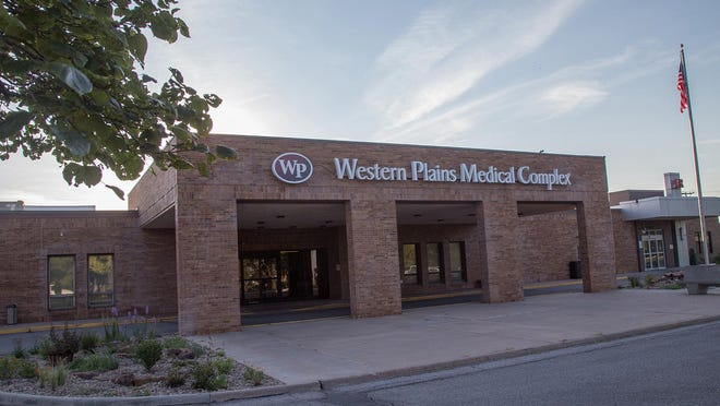 Western Plains Medical Complex has instituted a requirement that all visitors wear face masks or cloth coverings when enetering the facility at all times.