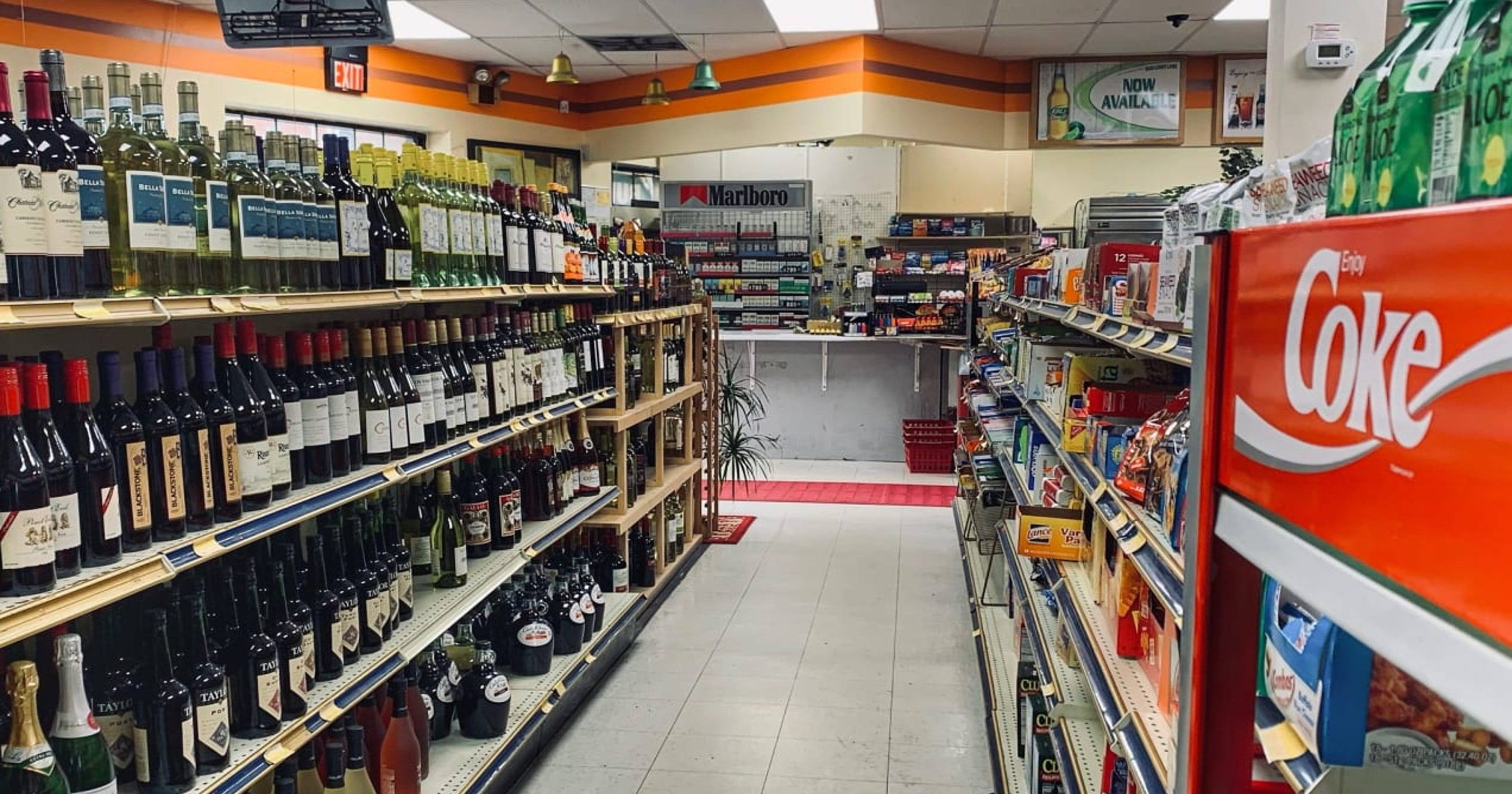 15 things you should never buy at a convenience store