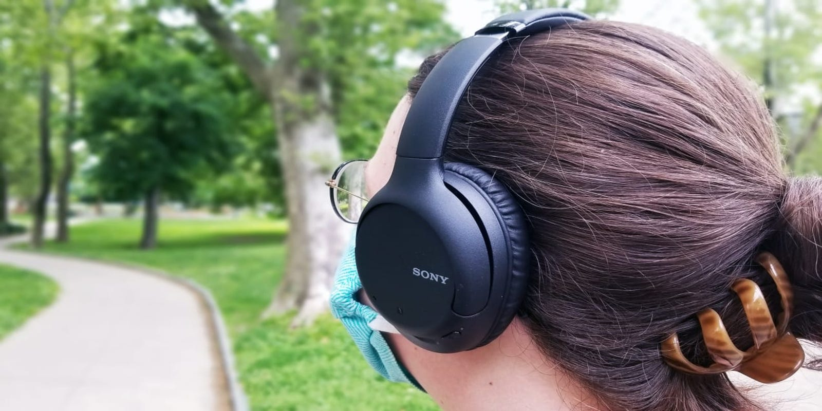 These noise-canceling Sony headphones are more than half off for Black Friday 2020