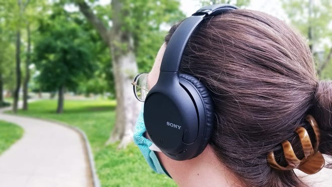 These headphones offer up great sound for the price point—and they're at an amazing discount.