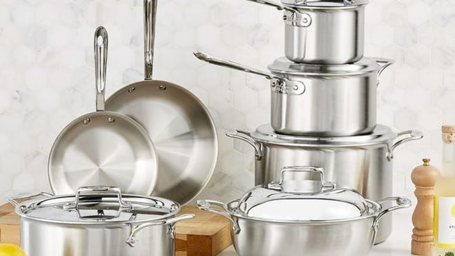 Stockpots and sauce pots galore!