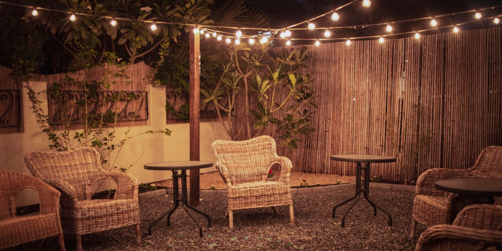 10 outdoor lights to make your backyard pop