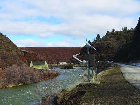 635900857612047414-Iron-Gate-Dam-Davi.jpg