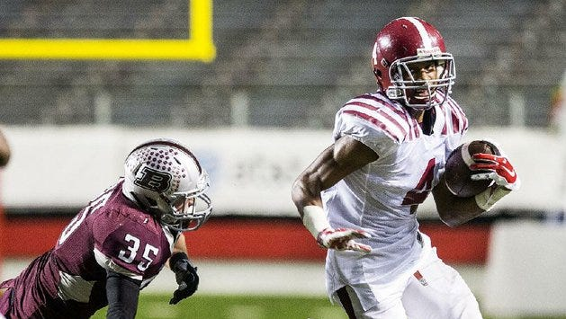 Pine Bluff's David Beasley, a Louisiana Tech signee for the 2016 class, was arrested over the weekend on battery and aggravated robbery charges.