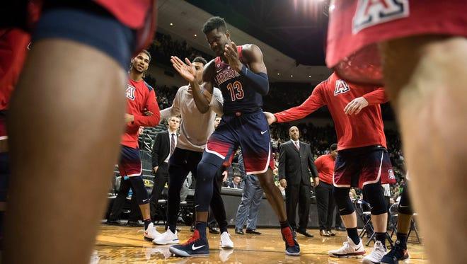Arizona Wildcats freshman forward Deandre Ayton is making an impact in college basketball this season.