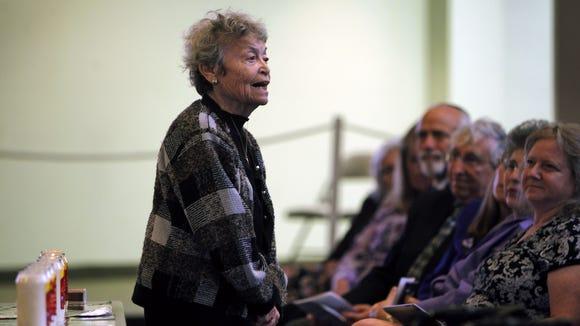Holocaust survivor Helen Handler speaks during a Yom