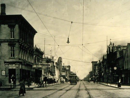 A streetcar on Eighth Street in Sheboygan, looking