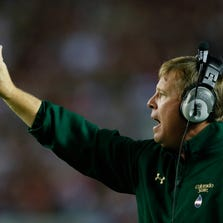 TUSCALOOSA, AL - SEPTEMBER 21:  Head coach Jim McElwain of the Colorado State Rams yells to his punt returner against the Alabama Crimson Tide at Bryant-Denny Stadium on September 21, 2013 in Tuscaloosa, Alabama.