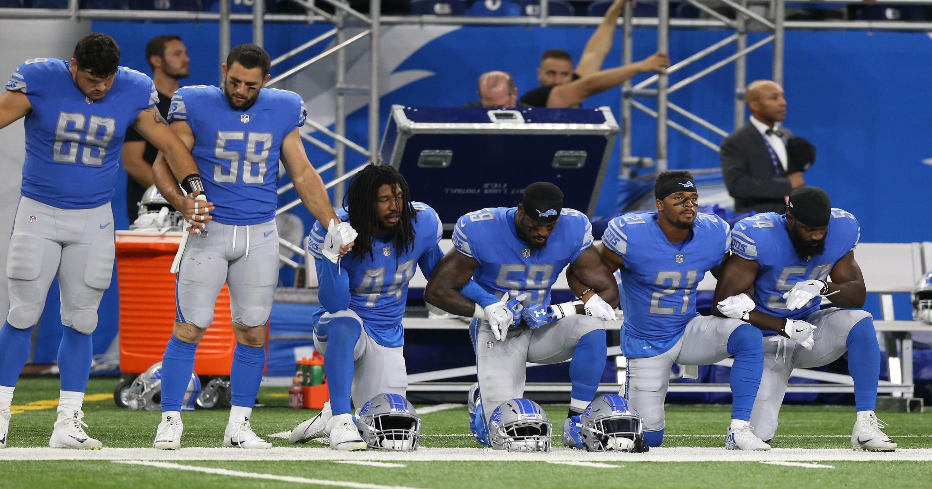 ab893c79fb8 Black Army veteran honored by Detroit Lions, salutes during national anthem