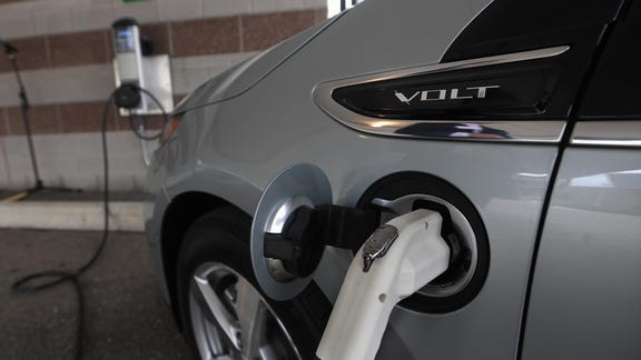 White House moves to boost electric car use