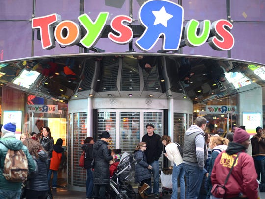 """The flagship Toys """"R"""" Us Times Square store opened"""