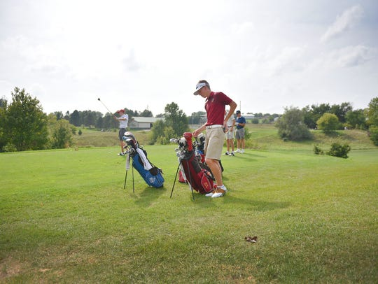 Roosevelt's Jack Lundin prepares to move to the next