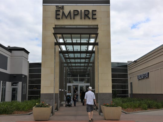 The main entrance to the Empire Mall in Sioux Falls.