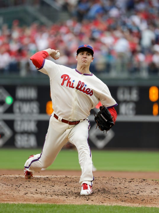 636111000679576214-Mets-Phillies-Basebal-Heis-4-.jpg
