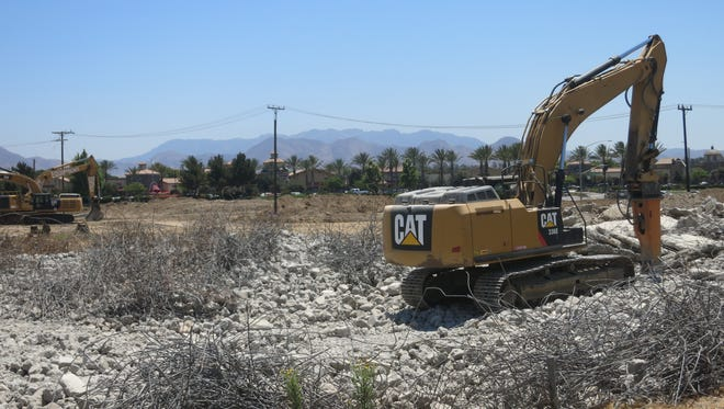 Construction has begun on a new hotel and conference center plaza on the corner of West Ventura Boulevard and Las Posas Road in Camarillo.