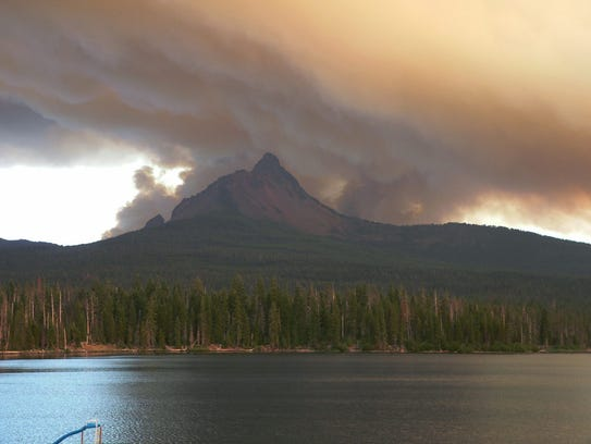 The Lake George Fire of 2006 started in the Mount Washington