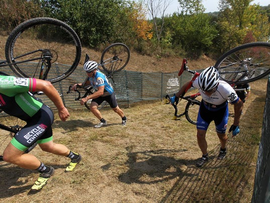 636410830153230052-170915-02-Cyclocross-ds.jpg