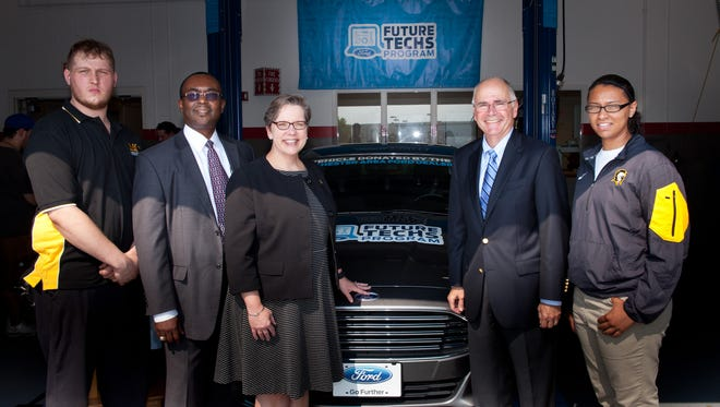Rochester-Area Ford dealers pick Monroe Community College for a new Ford Future Techs program.