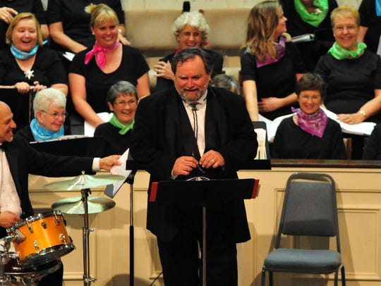 Dr. Michael Carter leads the Treasure Coast Chorale