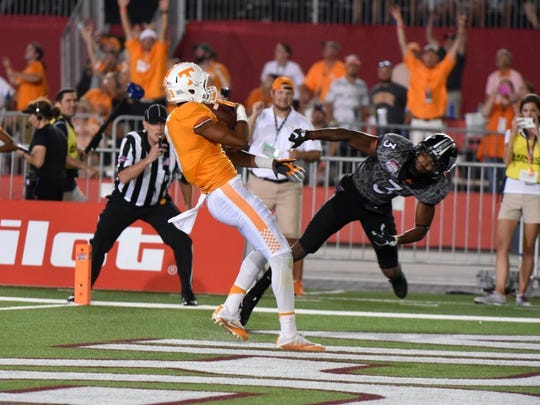 Tennessee wide receiver Josh Malone (3) scores  against Virginia Tech at the Battle At Bristol on Sept. 10, 2016.
