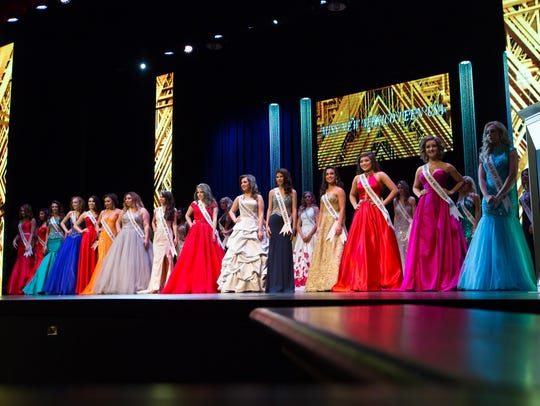 Pictured are the contestants of Miss New Mexico USA