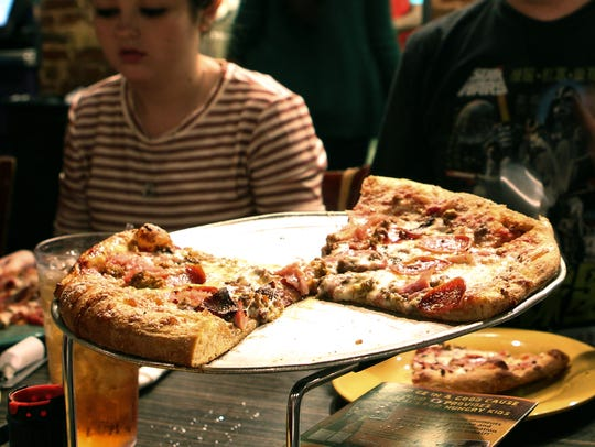Best of Your Hometown dining, best food pizza at Mellow