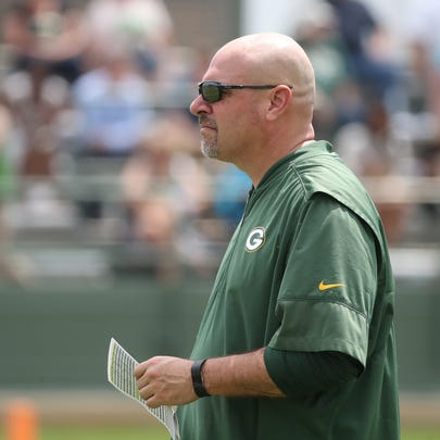 Packers defensive coordinator Mike Pettine during Green
