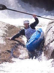 -BUR 0417 bristol kayak race_28.jpg_20160416.jpg