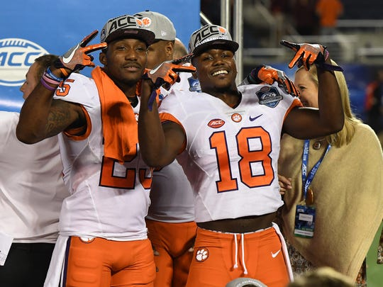 Clemson defensive back Cordrea Tankersley (25), left,