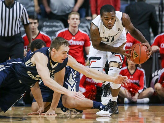NCAA Basketball: Barclays Classic-Cincinnati vs George Washington