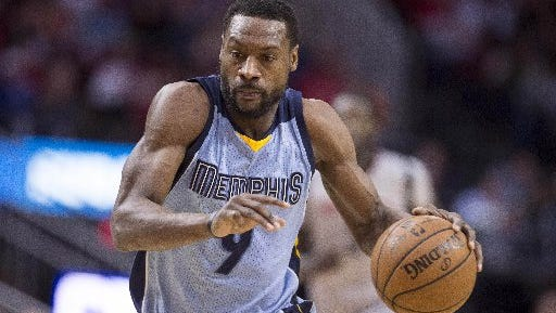 Jan 13, 2017: Memphis Grizzlies guard Tony Allen (9) brings the ball up court against the Houston Rockets during the second half at the Toyota Center. The Grizzlies defeat the Rockets 110-105.