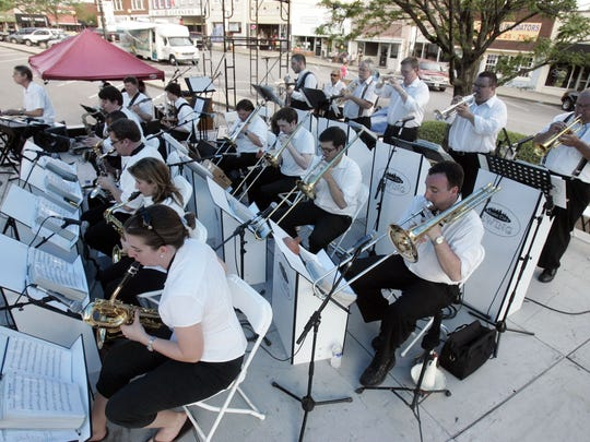 Music City Swing will kick off the first Friday Night Live of 2016. Set for 6:30-9:30 p.m. Friday, the free event will take place on the Murfreesboro Public Square. Be sure to bring your lawn chairs and blankets to enjoy an evening of live musical entertainment and dancing.